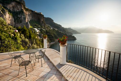 アマルフィ海岸「Amalfi coast at sunrise」:スマホ壁紙(3)