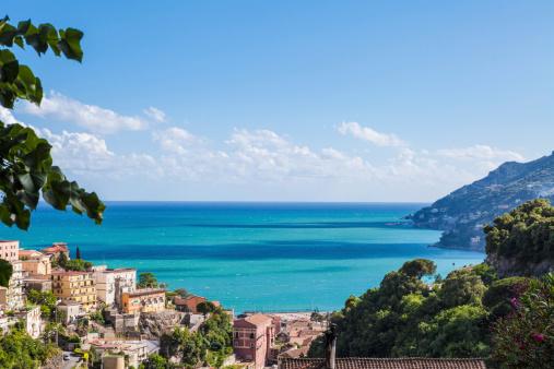 アマルフィ海岸「アマルフィ海岸沿い風景 Vietri ヴィラージュ、イタリア」:スマホ壁紙(14)