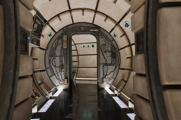 Amusement Park「Star Wars: Galaxy's Edge Media Preview At The Disneyland Resort」:写真・画像(9)[壁紙.com]