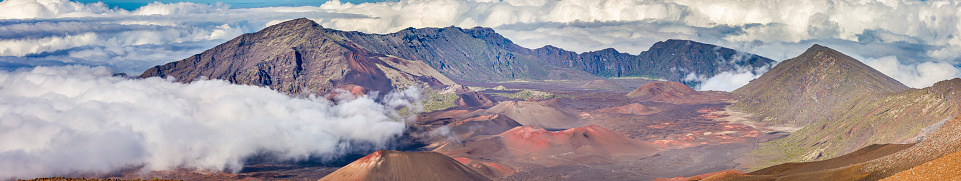 Pukalani「Inside the Haleakala Peak Crater at Haleakala National Park,Maui,Hawaii,USA」:スマホ壁紙(6)