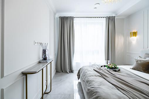 Curtain「Inside the bedroom」:スマホ壁紙(1)