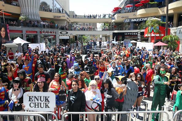 Heroes「DC Comics Super Hero World Record Event」:写真・画像(5)[壁紙.com]