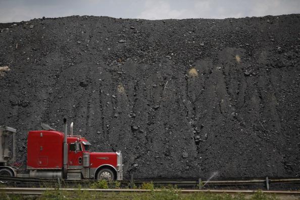 アメリカ合州国「Obama's New Proposed Regulations On Coal Energy Production Met With Ire Through Kentucky's Coal Country」:写真・画像(13)[壁紙.com]