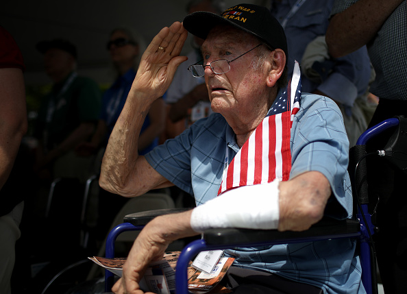Veteran「75th Anniversary Remembered At The National D-Day Memorial」:写真・画像(17)[壁紙.com]