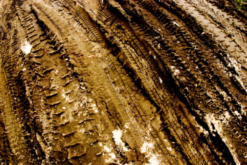 Dirt Road「Tire tracks in dirt, elevated view」:スマホ壁紙(10)