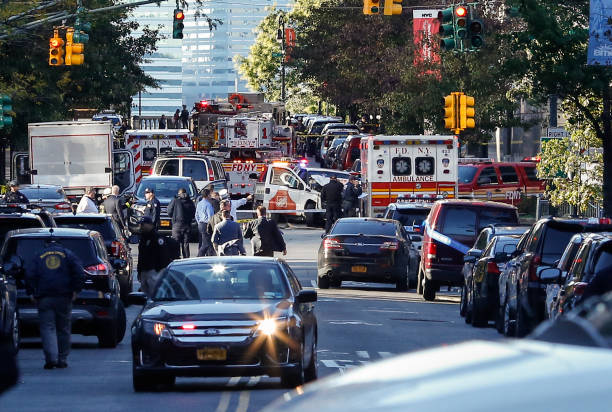 New York City「Multiple People Injured After Truck Plows Through New York City Bike Path」:写真・画像(2)[壁紙.com]