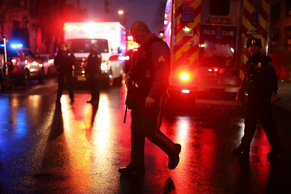 Jersey City「Shootout And Standoff With Two Gunman In Jersey City Leaves Multiple People Dead」:写真・画像(4)[壁紙.com]