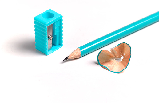 Sharpening「Turquoise pencil, with pencil sharpener and shavings」:スマホ壁紙(13)