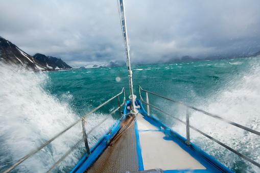 Sailboat「Expedition Yacht, Svalbard, Norway」:スマホ壁紙(10)
