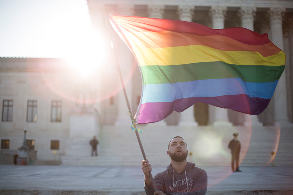 Rainbow「Supreme Court Hears Arguments In Historic Marriage Equality Case」:写真・画像(13)[壁紙.com]
