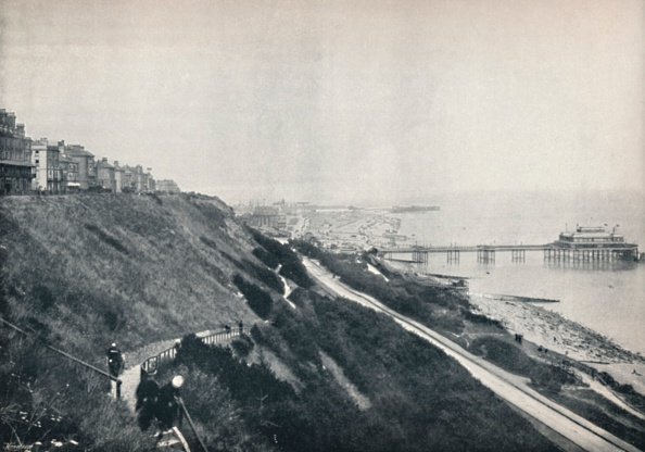 Footpath「Folkestone - View Showing The Lees And The Pier」:写真・画像(19)[壁紙.com]