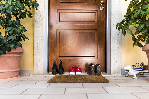 Doormat「Family Shoes on the porch by the doorstep」:スマホ壁紙(13)