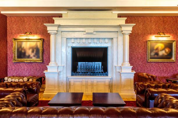 Luxury interior with fireplace:スマホ壁紙(壁紙.com)