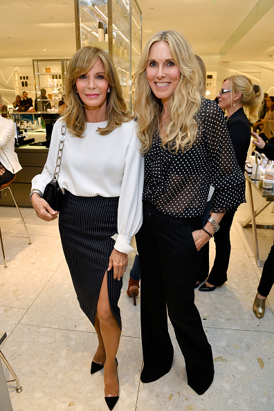 Jaclyn Smith「Barneys New York Celebrates the Farrah Fawcett Foundation」:写真・画像(10)[壁紙.com]