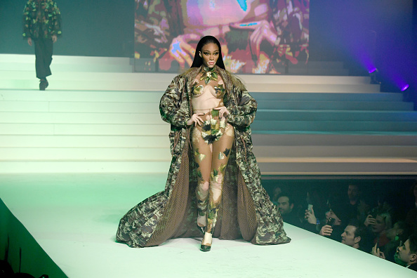 Full Length「Jean-Paul Gaultier : Runway - Paris Fashion Week - Haute Couture Spring/Summer 2020」:写真・画像(5)[壁紙.com]