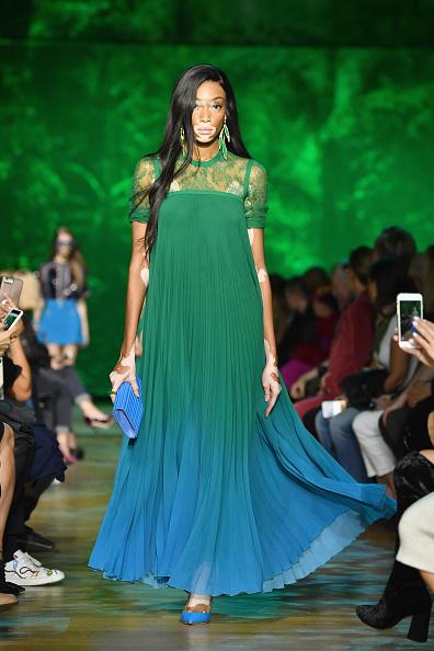 Elie Saab - Designer Label「Elie Saab : Runway - Paris  Fashion Week Womenswear Spring/Summer 2018」:写真・画像(19)[壁紙.com]
