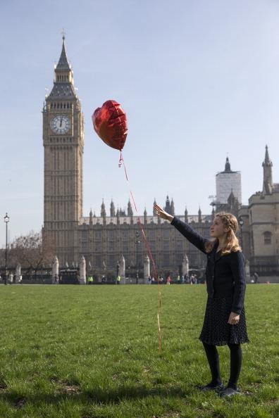 ハート型「Third Anniversary Of Syria Crisis Marked In London」:写真・画像(19)[壁紙.com]