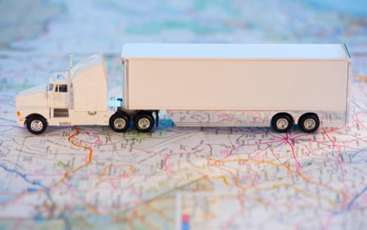 おもちゃのトラック「A toy truck on a map」:スマホ壁紙(11)