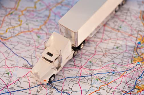 おもちゃのトラック「A toy truck on a map」:スマホ壁紙(12)