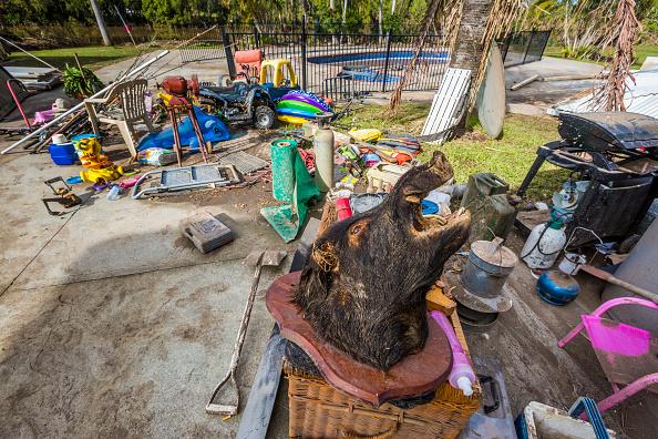 Obsolete「Queenslanders Begin Clean Up In Wake Of Ex-Cyclone Debbie」:写真・画像(13)[壁紙.com]