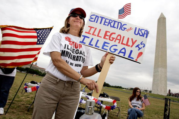 アメリカ合州国「Anti Immigrant Demonstrators Rally In Washington」:写真・画像(18)[壁紙.com]