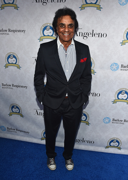 Johnny Mathis「Barlow Respiratory Hospital's 4th Bernie Brillstein Golf Classic - Cocktails And Awards Presentation - Inside」:写真・画像(15)[壁紙.com]