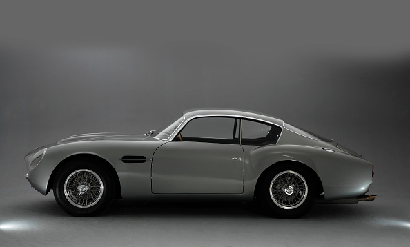 Side View「1961 Aston Martin DB4 GT Zagato」:写真・画像(3)[壁紙.com]