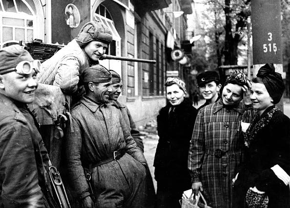 Russian Military「Soviet Soldiers」:写真・画像(5)[壁紙.com]