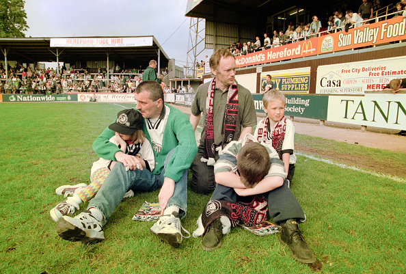 Club Soccer「Hereford United relegated from Football League 1997」:写真・画像(8)[壁紙.com]