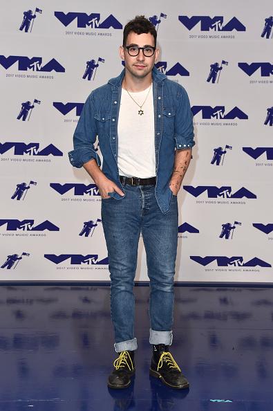 Hair Stubble「2017 MTV Video Music Awards - Arrivals」:写真・画像(11)[壁紙.com]