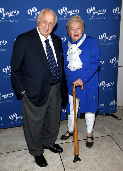 Two People「Tommy Lasorda's 90th Birthday Celebration」:写真・画像(18)[壁紙.com]