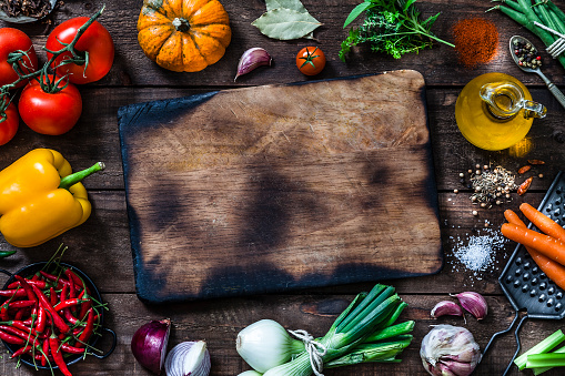 Garlic Clove「Cutting board with fresh ingredients for cooking and seasoning」:スマホ壁紙(13)