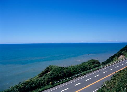 海「Road and sea」:スマホ壁紙(9)
