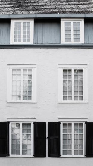 Fairy tale「Windows On An Old Building」:スマホ壁紙(14)