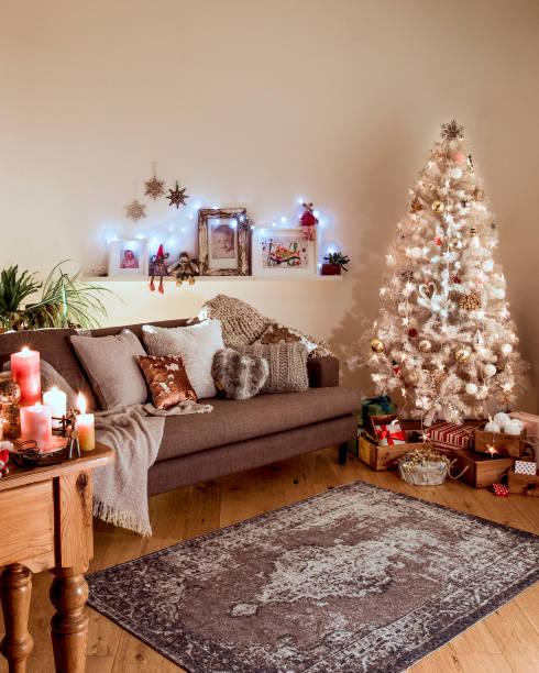 Nordic Christmas with a White Christmas Tree:スマホ壁紙(壁紙.com)