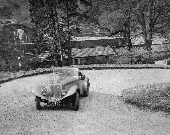 Hairpin Curve「Lincoln Zephyr engined Allard Special of DG Silcock competing in the RAC Rally, 1939」:写真・画像(13)[壁紙.com]