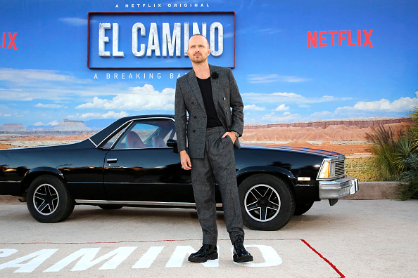 "Full Suit「Netflix Hosts The World Premiere For ""El Camino: A Breaking Bad Movie"" In Los Angeles」:写真・画像(17)[壁紙.com]"