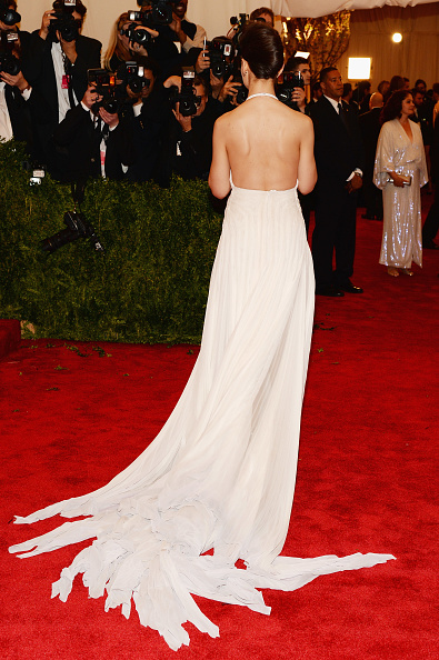 """Halter Top「""""PUNK: Chaos To Couture"""" Costume Institute Gala」:写真・画像(10)[壁紙.com]"""
