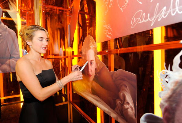 Entertainment Tonight「The 66th Annual Golden Globe Awards - Backstage With ET」:写真・画像(9)[壁紙.com]