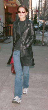 Leather Jacket「Actress Katie Holmes in NYC」:写真・画像(19)[壁紙.com]