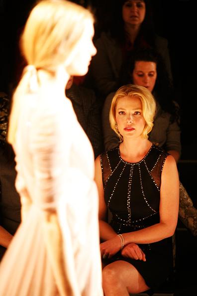Katherine Heigl「Jenny Packham - Front Row - Fall 2013 Mercedes-Benz Fashion Week」:写真・画像(3)[壁紙.com]