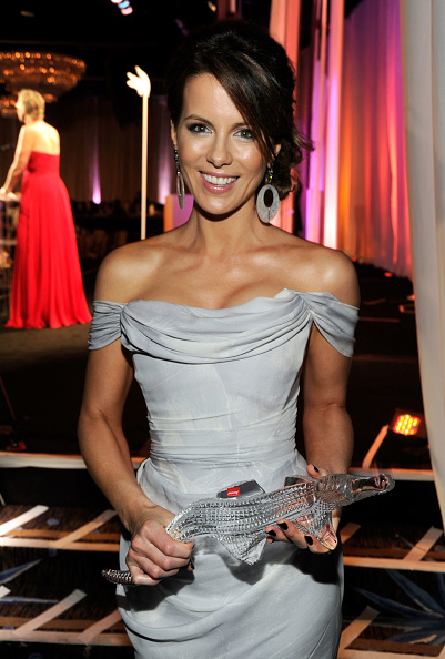 Off Shoulder「14th Annual Costume Designers Guild Awards With Presenting Sponsor Lacoste - Backstage」:写真・画像(10)[壁紙.com]