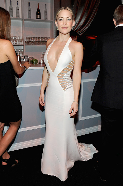Cut Out Dress「The Weinstein Company & Netflix's 2015 Golden Globes After Party Presented By FIJI Water, Lexus, Laura Mercier And Marie Claire - Inside」:写真・画像(15)[壁紙.com]