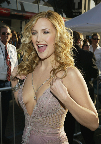 Curly Hair「Los Angeles Premiere of Raising Helen」:写真・画像(0)[壁紙.com]