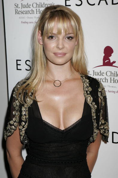 Katherine Heigl「Launch Of The Escada 2006 Spring/Summer Collection - Arrivals」:写真・画像(12)[壁紙.com]