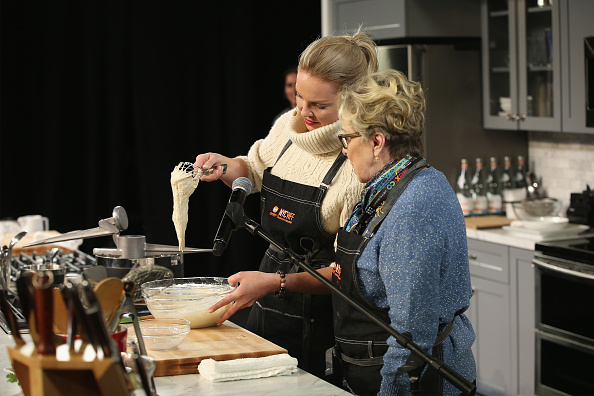 Katherine Heigl「Grand Tasting Presented By ShopRite Featuring Samsung Culinary Demonstrations Presented By MasterCard - Food Network & Cooking Channel New York City Wine & Food Festival presented By FOOD & WINE」:写真・画像(3)[壁紙.com]