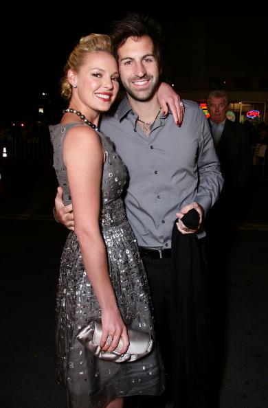 "Husband「Premiere Of 20th Century Fox's ""27 Dresses"" - Arrivals」:写真・画像(12)[壁紙.com]"