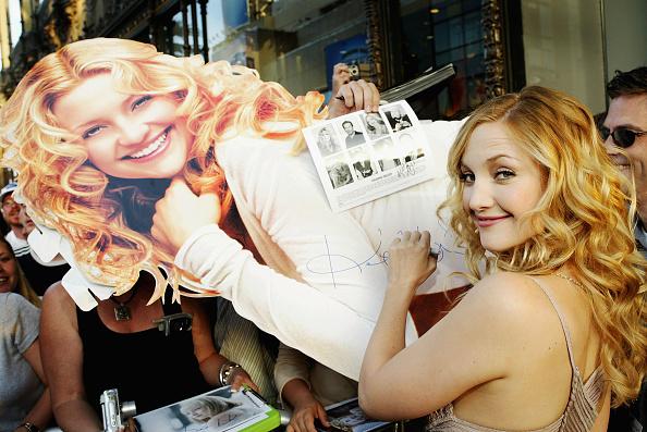 Curly Hair「Los Angeles Premiere of Raising Helen」:写真・画像(9)[壁紙.com]