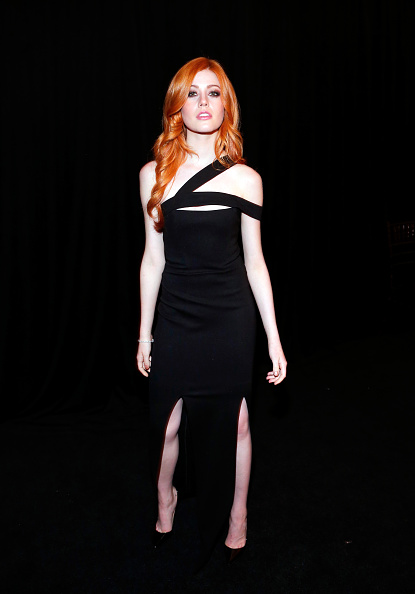 Katherine McNamara「The Weinstein Company And Netflix Golden Globe Party, Presented With DeLeon Tequila, Laura Mercier, Lindt Chocolate, Marie Claire And Hearts On Fire - Inside」:写真・画像(8)[壁紙.com]