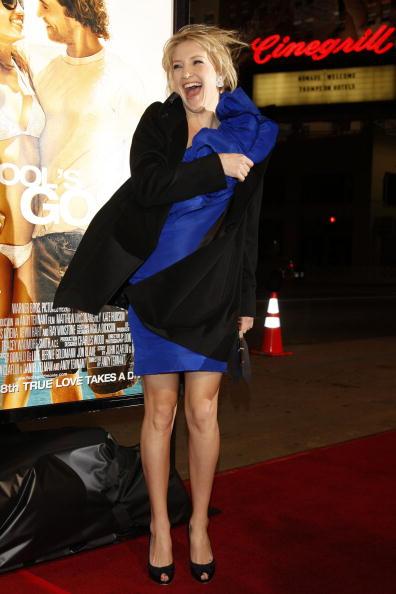 "Overcoat「Premiere of Warner Bros. Pictures ""Fool's Gold"" - Arrivals」:写真・画像(8)[壁紙.com]"
